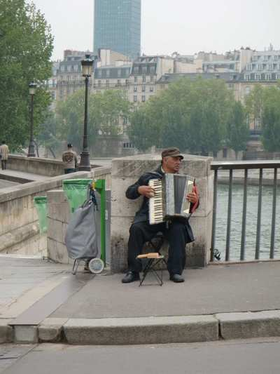 streetmusician.jpg
